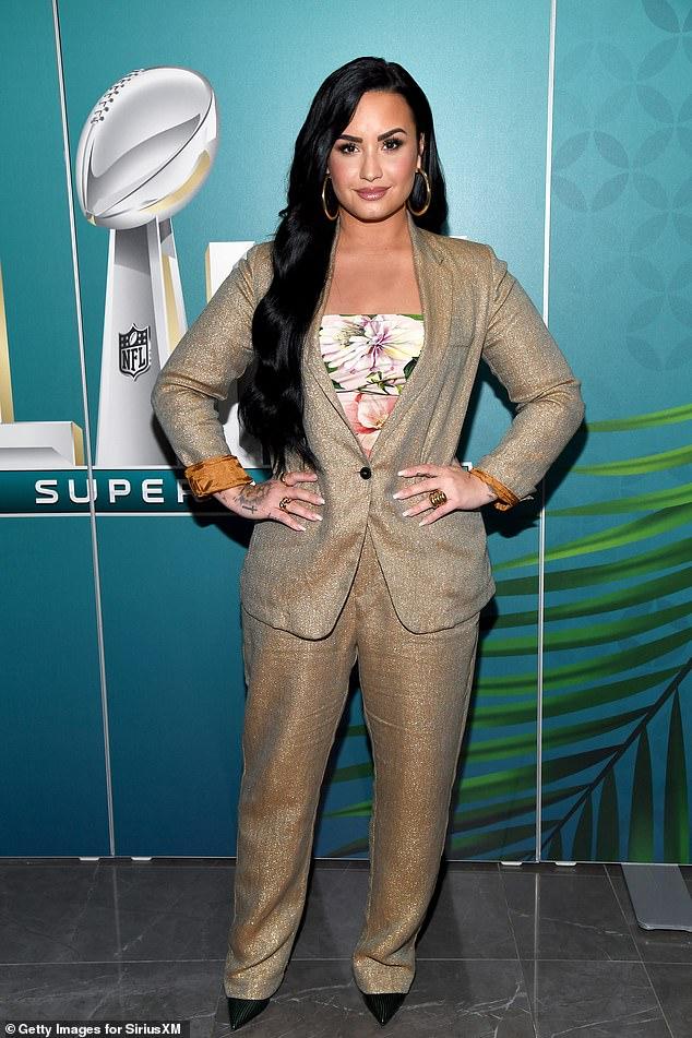 Demi Lovato revela que podría terminar siendo pareja de una mujer