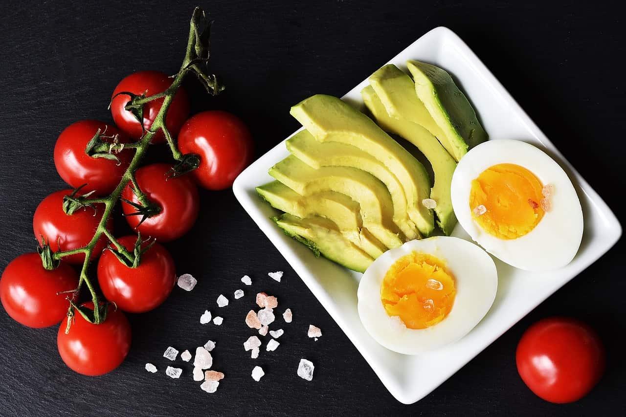 6 alimentos que no deben faltar en tu dieta cetogénica