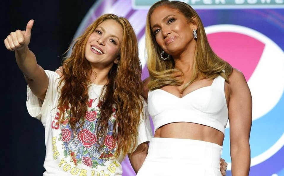 Shakira y JLo en la rueda de prensa del Super Bowl
