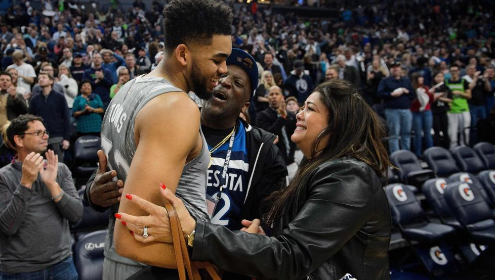 Muere madre de KArl Anthony Towns
