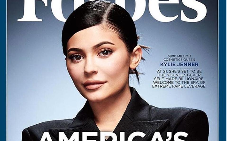 Kylie Jenner acusada por revista Forbes de mentir sobre el éxito de su empresa