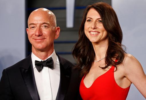 Jeff Bezos y Mackenzie Tuttle entra la lista de los más ricos