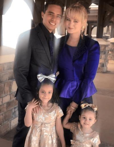 Allisson Lozz y su familia, esposo e hijas