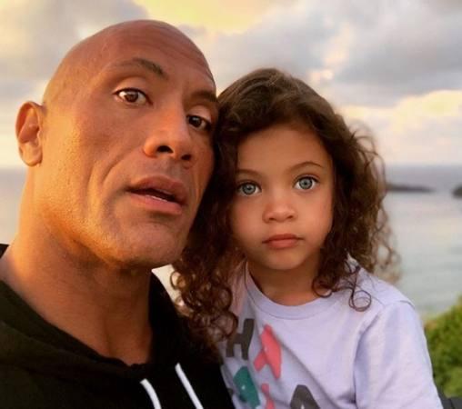 Dwayne Johnson la roca y su hija