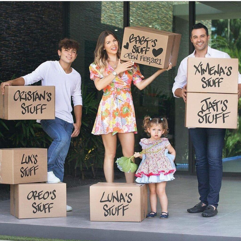 Ximena Duque y su familia