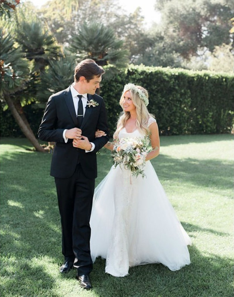 Ashley Tisdale y su esposo Christopher French embarazada de su primer bebé