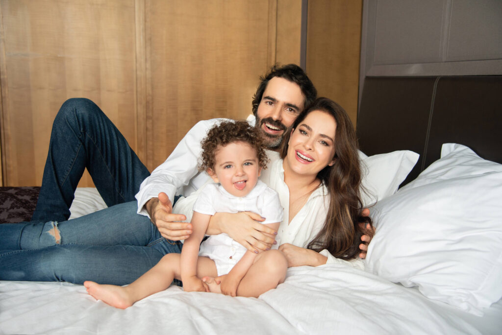 Danna García esposo Ivan Gonzalez y su hijo Dante