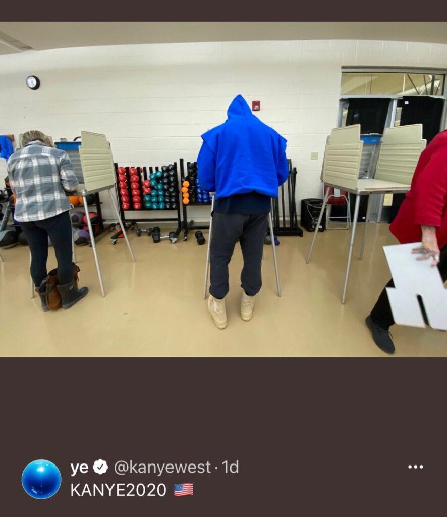 Kanye West votando en las elecciones 2020